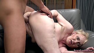 Sexy granny loves to get her pussy banged hard