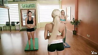 Amazing yoga lessons with Khloe Terae