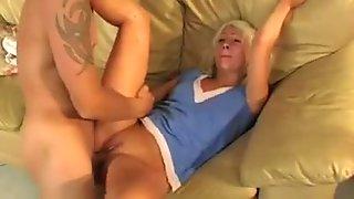Novinhas blondie sexo a 3 dupla teamed