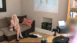 FakeAgentUK: Dirty blonde bombshell makes him pay to play